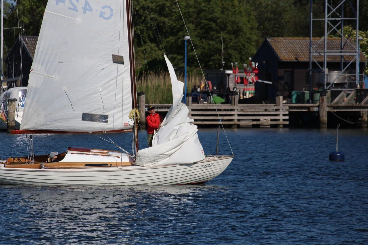 Sailing Boat Port Gager R%C%BCgen Boat  - KRiemer / Pixabay